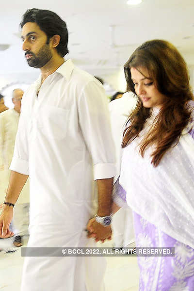 Kunal Kapoor mother's prayer meet