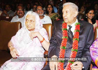 BK Birla's 70th wedding anniv. bash