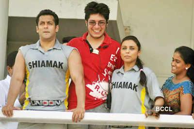 Salman, Rani @ 'Junoon' match