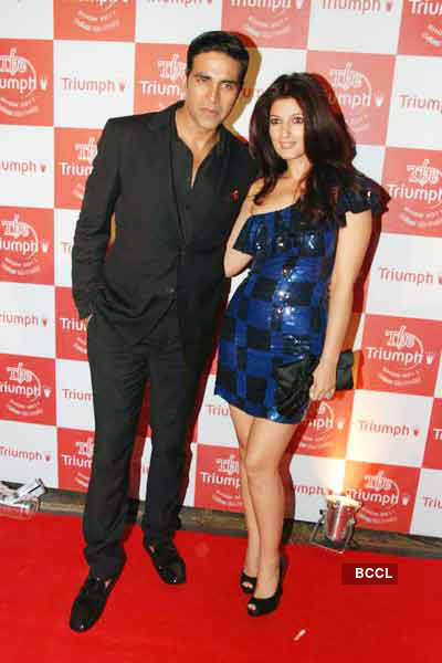 Twinkle Khanna to deliver a baby!
