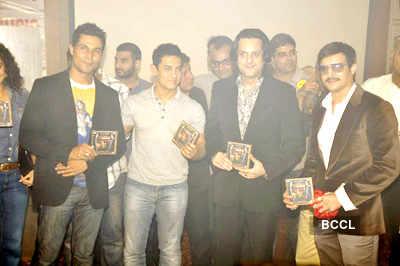 Randeep with Aamir