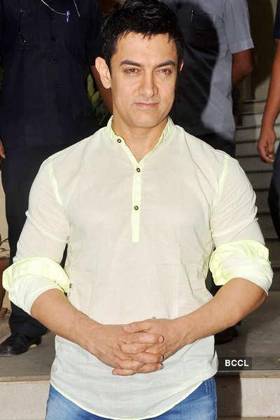 Aamir Khan fails to beat Amitabh Bachchan