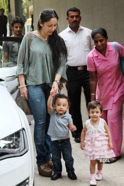 Celebs visit Shilpa post delivery