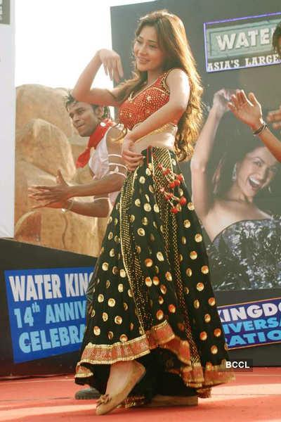 Sara Khan @ Water Kingdom