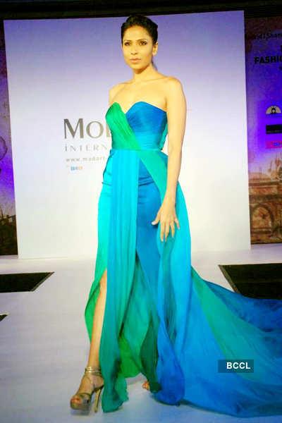 'Mod'Art 2012' show