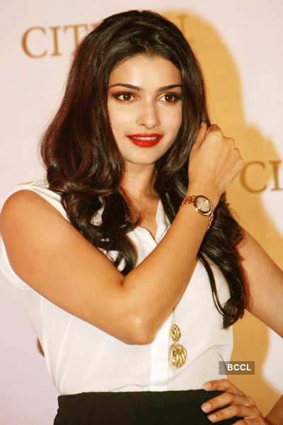 Prachi launches watch collection