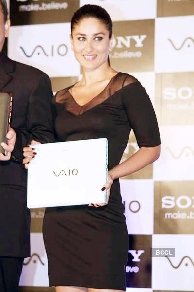 Kareena launches Vaio laptops