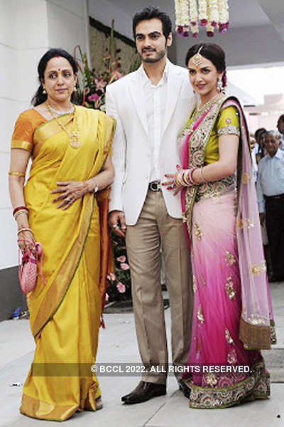 Esha Deol to wed in a temple