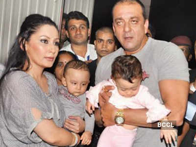 Sanjay Dutt is a proud father to twins Shahraan and Iqra ...