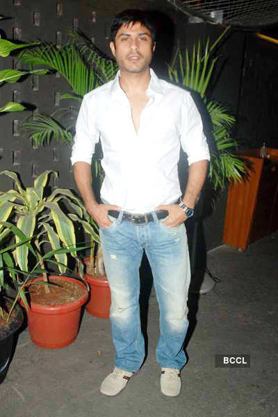 Playing Veer is very challenging: Vikas Bhalla