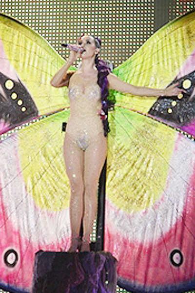 Katy Perry's sexy revealing dress!