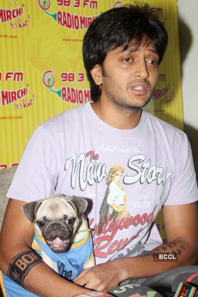 Riteish, Tusshar @ Radio Mirchi