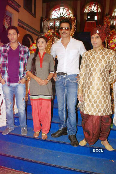 On the sets: 'Hitler Didi'