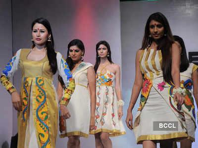 Neetu Chandra @ Fashion show