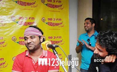 'Julayi' cast @ Radio Mirchi