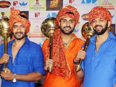 Ajay, Abhi promote 'Bol Bachchan'
