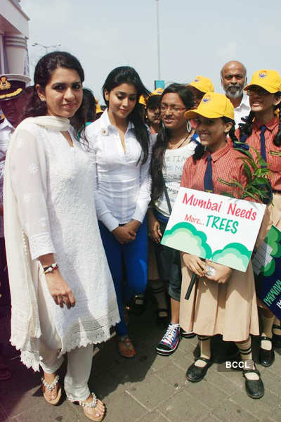 Shriya @ 'Save Mumbai' campaign