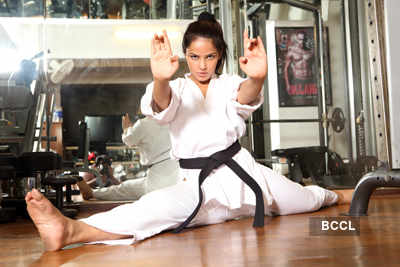 B'wood action girl Neetu Chandra!