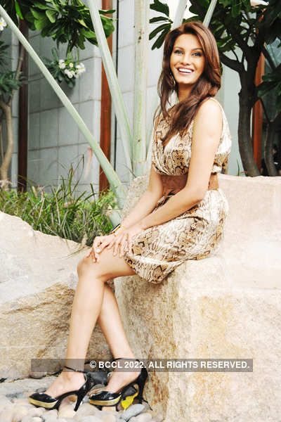 Diana Hayden's photo shoot
