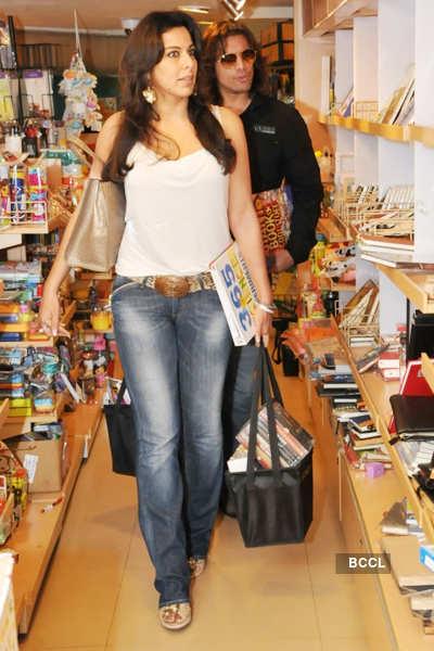 Pooja, Sky @ book sale