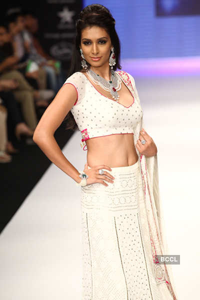 IIJW'12: Intern'l Gemological Inst.