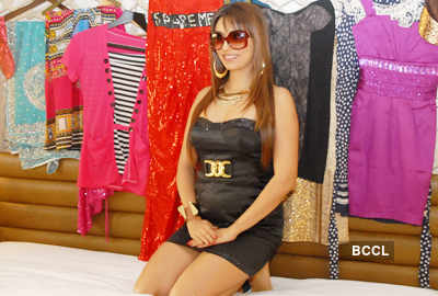 Pooja auctions her Bigg Boss clothes