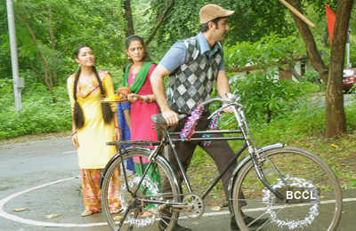 RK promotes 'Barfi' on small screen!