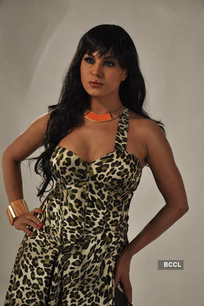 Veena Malik's hot photo shoot