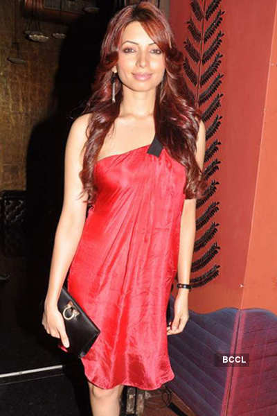 Money doesn't excite me: Shama Sikander