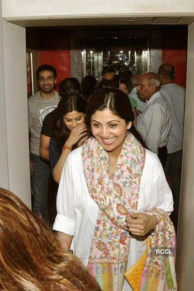 Shilpa, Shamita spotted