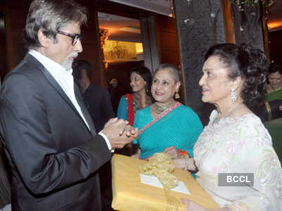 Asha Parekh's b'day party