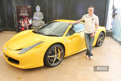 Esha, Gautam launch 'Supercars'