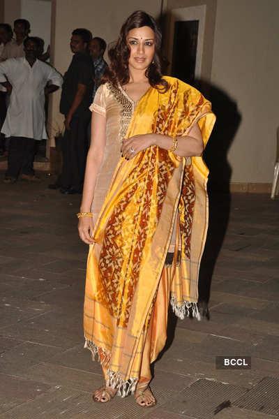 Sanju-Maanyata host 'Mata Ki Chowki'