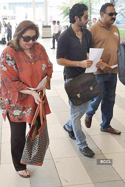 Saif-Kareena leave for Pataudi