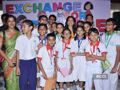 Juhi at Indo-Pak students exchange program