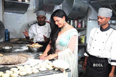 Veena taste the Zaika Of Bihar