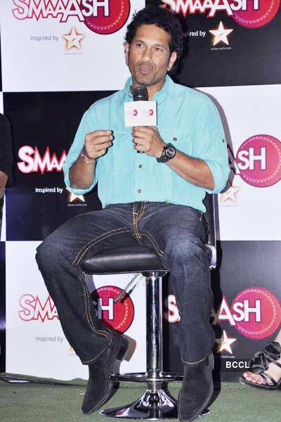 Launch: 'SMAAASH'