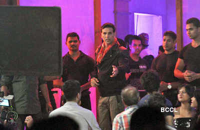 Khiladi 786: On the sets