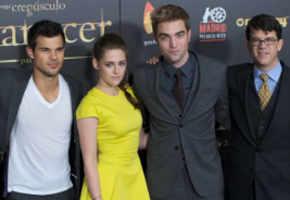 Twilight: Celebs at 'Breaking Dawn - Part 2' UK premiere