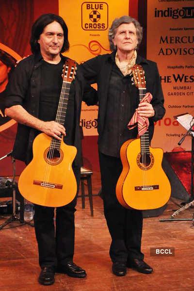 'Strunz & Farah' music concert
