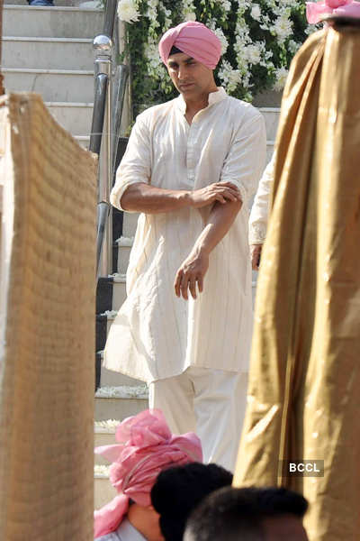 Akshay at sister's wedding