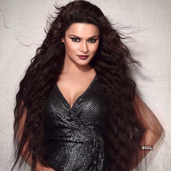Aashka Goradia turns up the heat in Andaman
