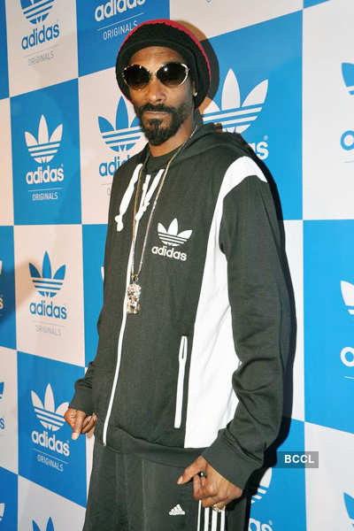 Snoop Dogg parties in the city!