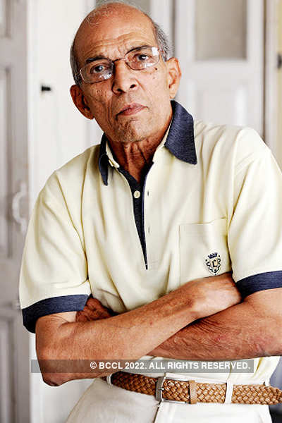 Former Test cricketer Rusi Surti dead