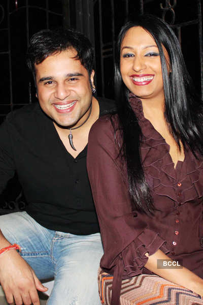 Deepshikha-Kaishav's anniv. party