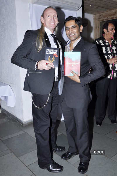 Celebs @ Vinod Nair's party