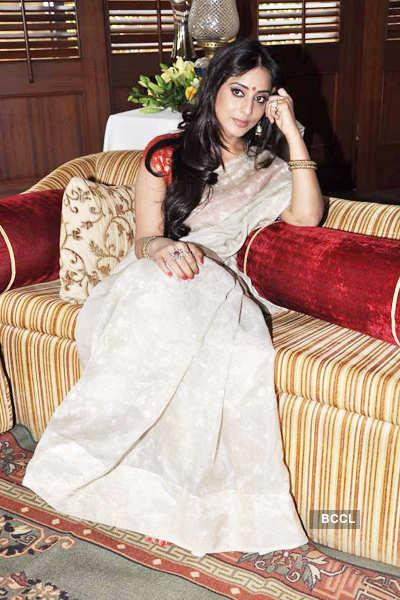 Mahie promotes 'Saheb Biwi..'