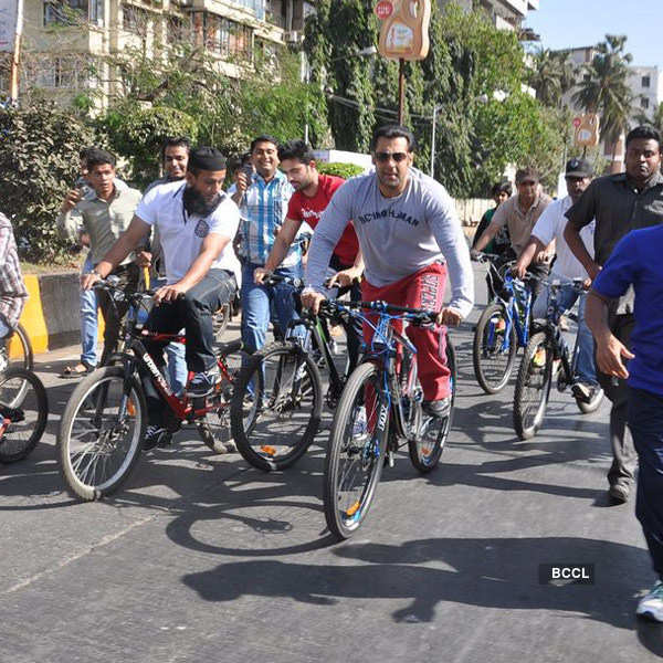 Celebs on 'Car Free Day'