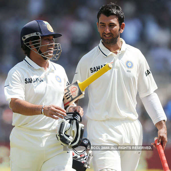 India thrash Aus, take 1-0 lead