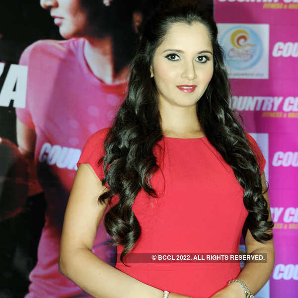 Sania @ Country Club event